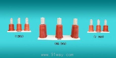 用于吸收冲击电压专用的高压电容器,配无感电阻串联后再接到开关的