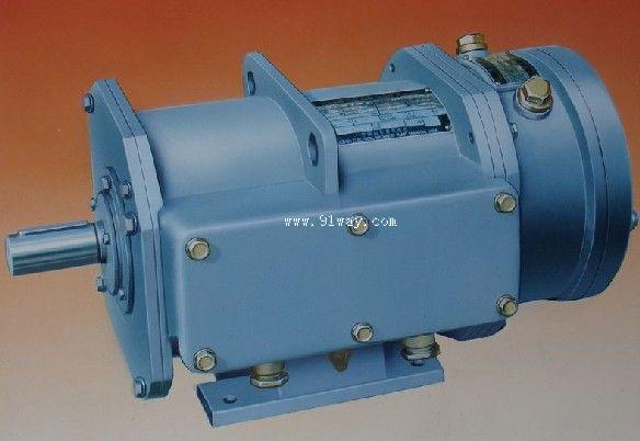 概述 YZ-H系列三相异步电动机是按照国家标准GB755《旋转电机、性能和定额》、GB/TT7060《船用旋转电机技术要求》、JB/T7597.1《YZ-H系列船工用起重用三相异步电动机技术条件》设计制造,具有性能好、体积小、噪音低、工作可靠、维修方便等特点。适用于各类船舶作短时定额的甲板机械电力拖动之用。如锚机、绞盘等,也可作操作不频繁的起货机的动力。防护等级IP56。 工作条件 环境温度:-25~+45;海拔;0m;空气相对湿度;95%;有凝露、盐雾、油雾、霉菌。周期横摇:22.
