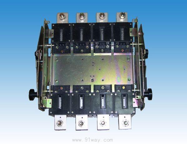 断开或隔离,便于断路器故障的快速维修与更换,本装置采用杠杆原理